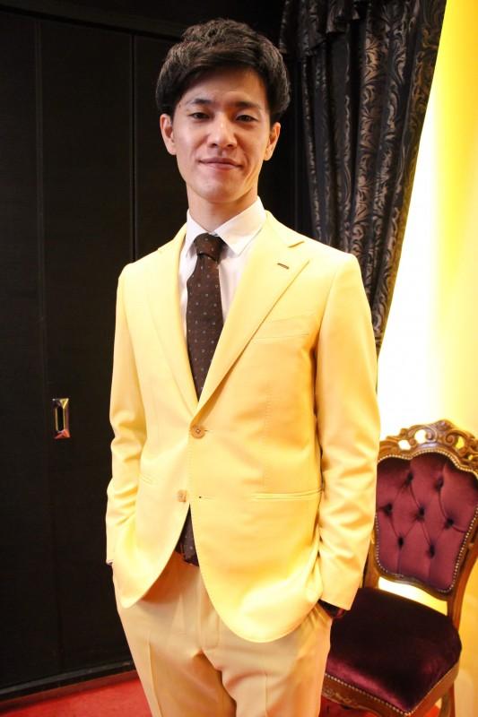 舞台衣装をオーダーメイド。より印象的な一着をご提供いたします。