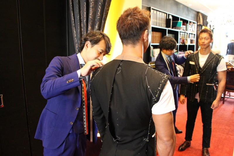 オーダースーツ×フィジーク。日本一と世界一の逆三角形ボディをお持ちの佐藤正悟さん。
