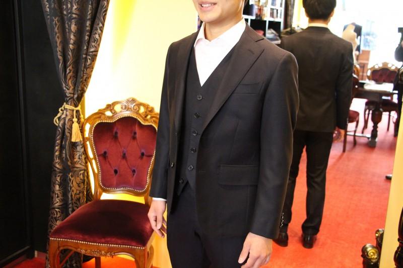 大阪で成人式・入学式・卒業式・新社会人のオーダースーツを作る