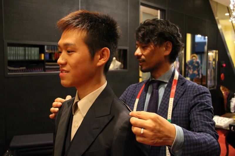 大阪南船場のオーダースーツ店『Luxum』で、成人式に着るスーツをオーダーする価値。