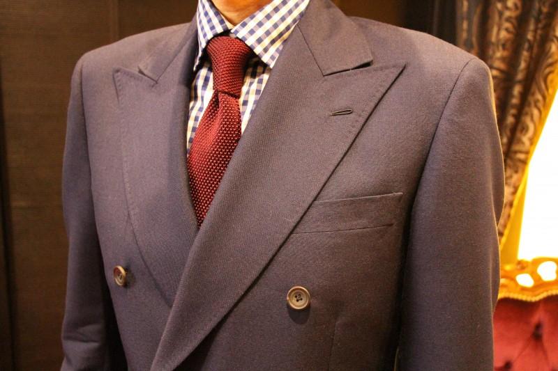 ビジネスマンの方におすすめ!ウィリアムハルステッド、フレスコスーツ。