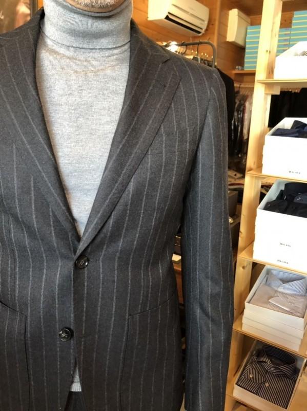 豊橋で行われた採寸会のオーダースーツがお客様に届き始めました。