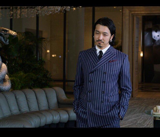 新宿スワンⅡ金子ノブアキのスーツ