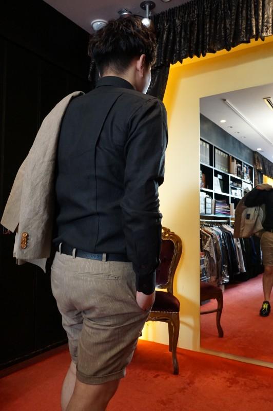リネンのオーダースーツ。夏に快適な大人のショートパンツスタイルで。