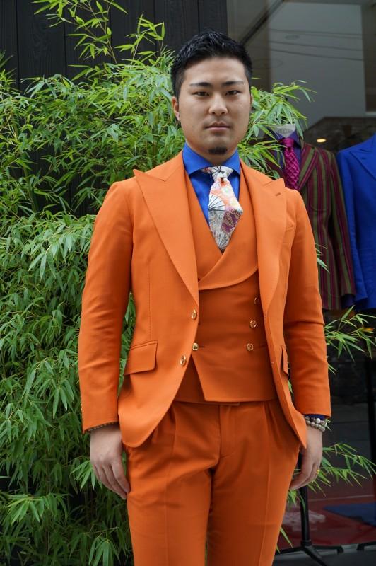 グローバルな海外進出を夢見る、陰陽師整体REIの亀田剛典さんのオーダースーツ