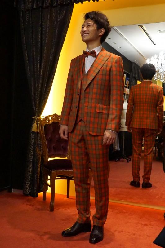 成人式のオーダースーツはお早めにご相談ください。